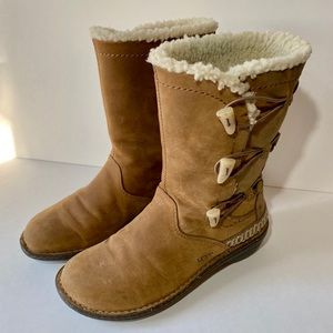 UGG Women's Brown Shearling Winter Boots 8